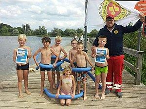 Schwimmkurs im Naturbad Teterow Foto ASB