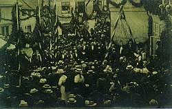 Grundsteinlegung in Anwesenheit des Großherzogs Friedrich Franz IV. (links unter dem Zeltdach).