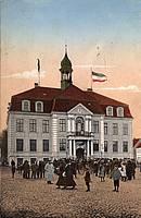 Das neu erbaute Rathaus