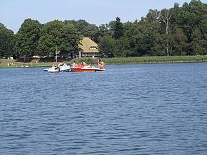 Badespaß vom Tretboot aus Foto Koch