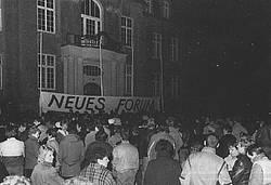Demo 1989 vor dem Rathaus.