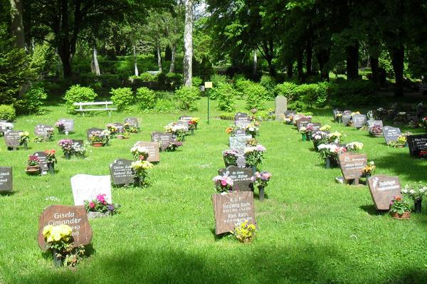 Rasenurnengräber